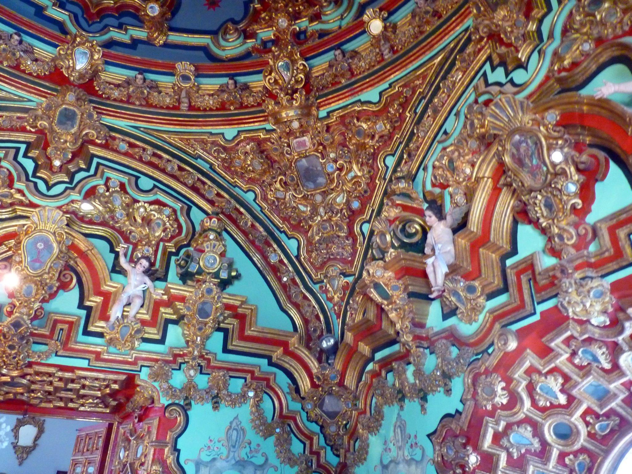 Detalle ornamentacion camarin de la Virgen