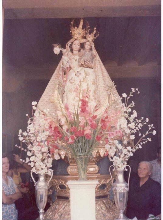 La Virgen de las Nieves y Julia