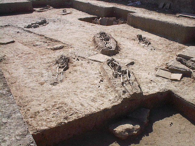 Hijar, restos esqueletos